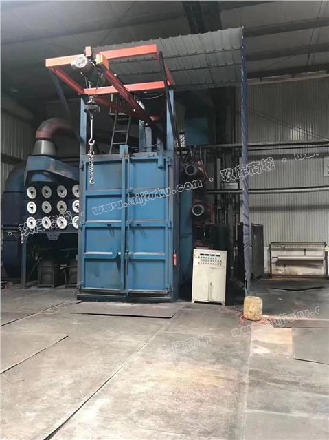 处理江苏产吊钩式抛丸机,整机全护板 单钩1吨葫芦,4个11千瓦高效抛头,内径2.3米宽✖️3.2米高