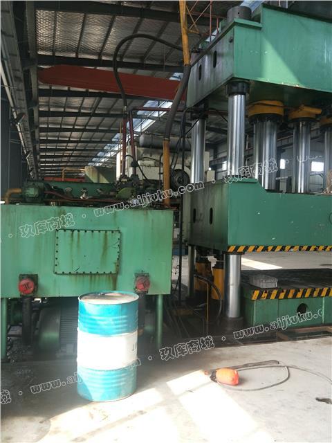 华东1000吨四柱油压机