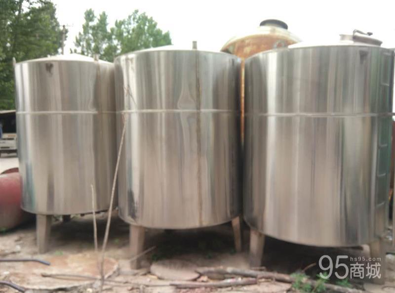 出售4吨不锈钢储存罐