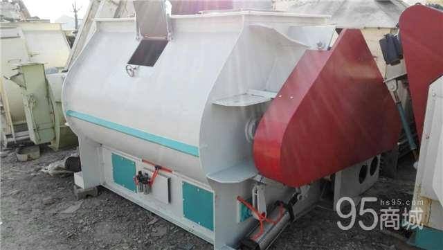 低价转让2吨不锈钢饲料混合机