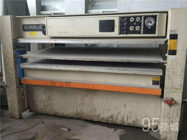 低价出售二手德国3层热压机
