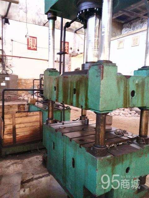 低价处理200吨四柱液压机