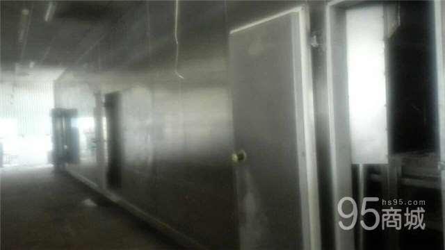 出售2吨氨机平网速冻隧道两条