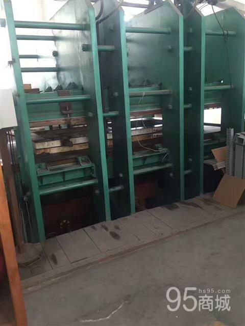 出售2013年辽宁铁岭市1.8/3.6米平板硫化机