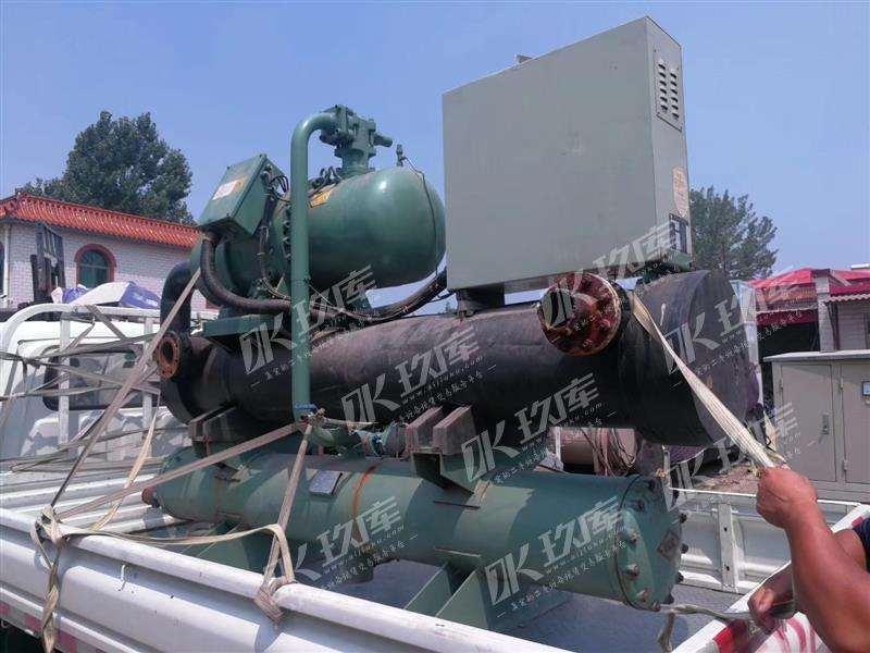06年烟台冰轮YSLGF120M低温盐水机组