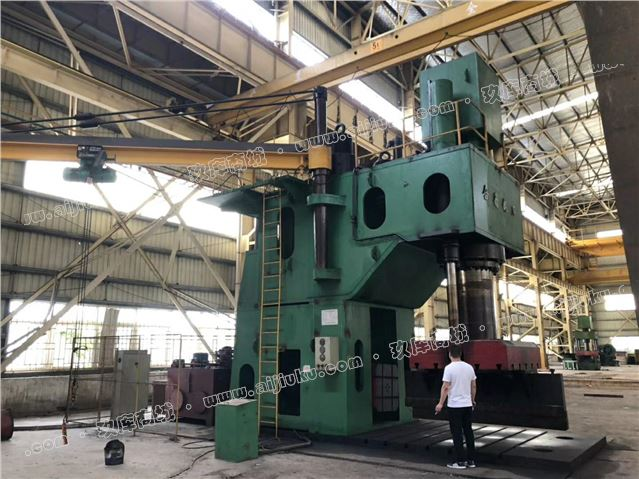 1250吨单臂液压机