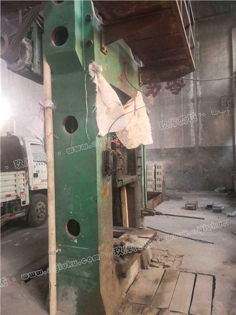 二手J67-400吨双盘摩擦压砖机闲置转让