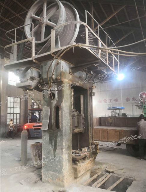 双盘摩擦压砖机J67-315吨二手处理