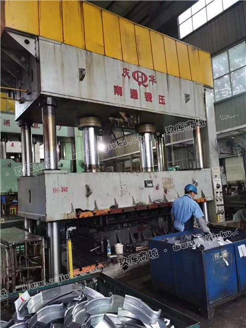 500吨液压机