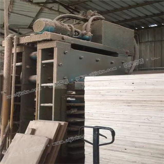 出售4x4尺二手热压机 8层 八成新 秋林产