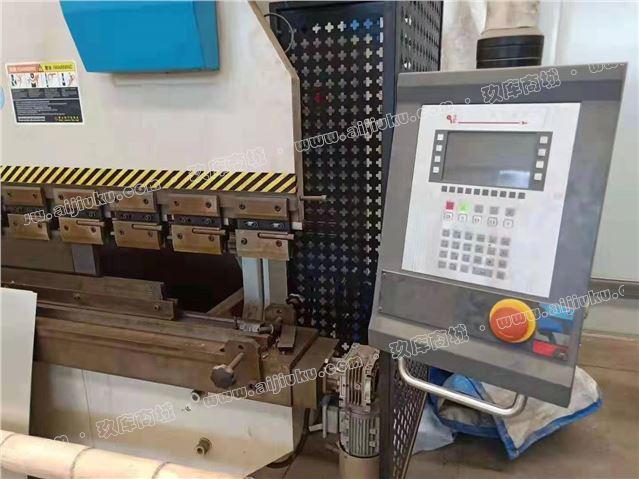 160吨3.2米电液数控折弯机