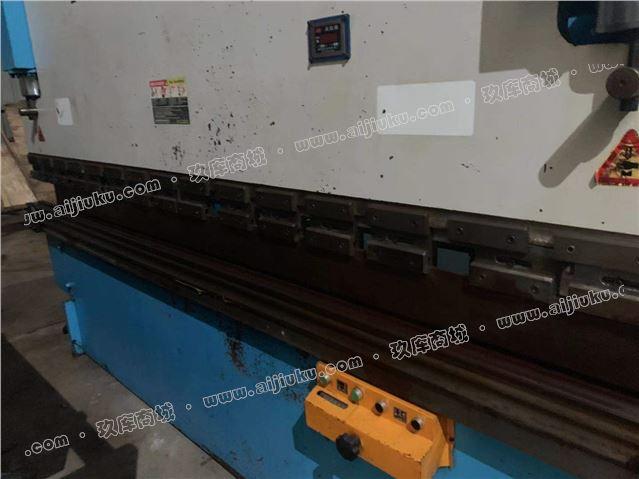 100吨3.2米折弯机