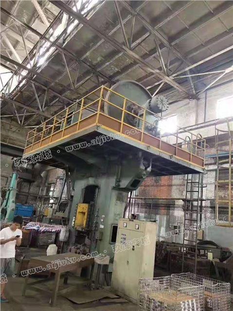 青岛宏达锻压1000吨摩擦压力机一台在位出售