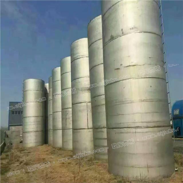 低价出售二手不锈钢储罐-30立方碳钢储罐