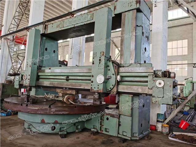 机械厂急售二手武汉CQ5250立式车床