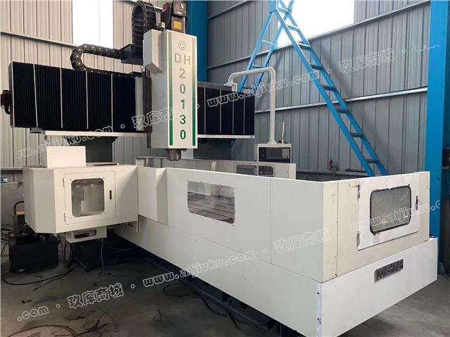 机械厂急售二手韩国DH20130龙门加工中心