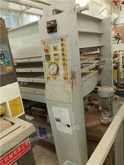 秋林三层热压机2.5米×1米25现货处理。