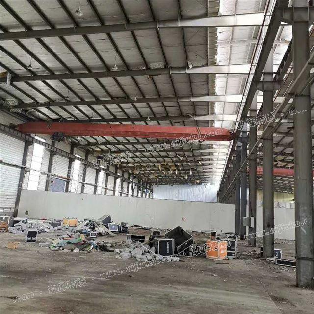 重钢行车房48米宽228米长13米高出口精品钢结构出售