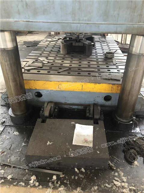 800吨液压机