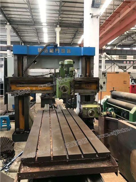 机械厂急售二手1.6x3米精密龙门铣铣头电机7.5千瓦