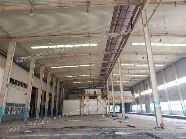 在位出售120*33*12.6米钢结构库房